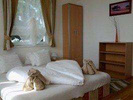 2. emeleti 3 szobás, balkonnal