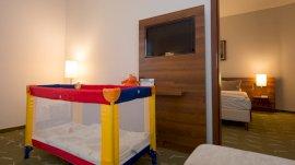 Zenit Hotel Balaton - Lakosztály utazóággyal